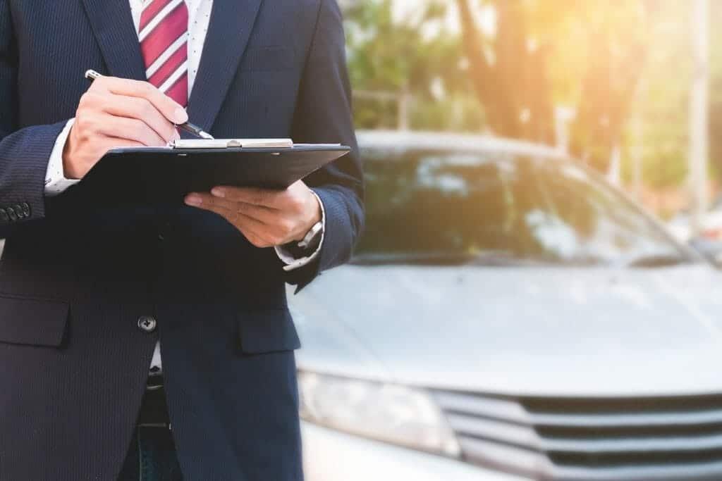 車を高く売る!大手買取業者の一括査定がベストな4つの理由