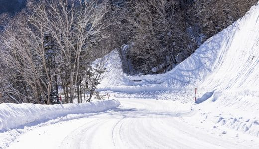 2WDでも雪道は運転できる?雪道の運転の注意点は?