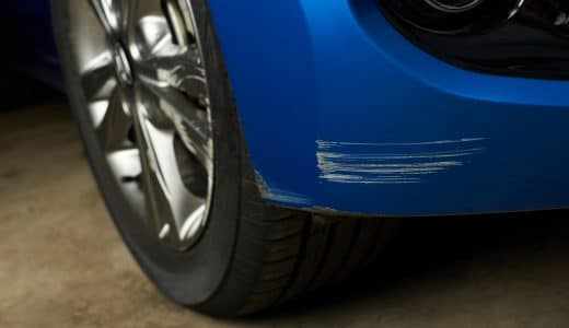 車の傷やへこみ、高く売るためには修理しておいた方がいい?