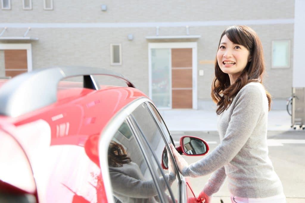 ガソリン価格の乱高下に影響されない電気自動車への買い替えも考えよう