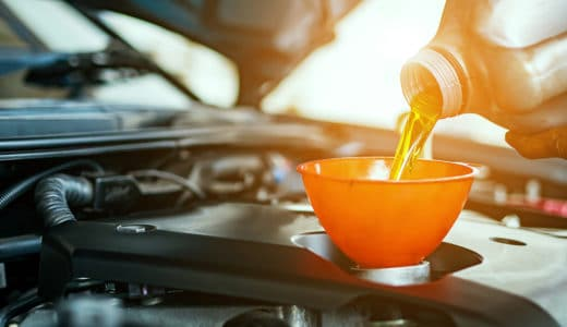 軽自動車のエンジンオイル交換はどれくらいの時期でするべき?